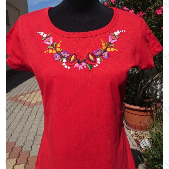 Piros kerek nyakú női póló