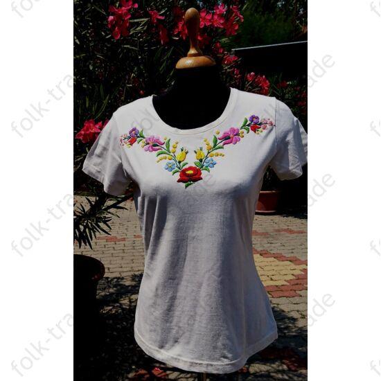 Organikus hímzett póló