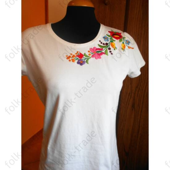 Rövid ujjú ,kerek nyakú fehér női póló /S
