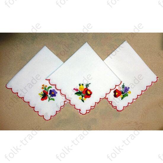 Hímzett zsebkendő
