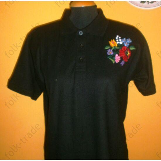 hímzett férfi galléros póló/fekete