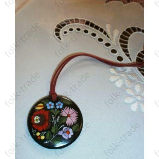 porcelán medál / kerek--fekete-színes